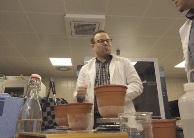 Prof. Thomas Lörting